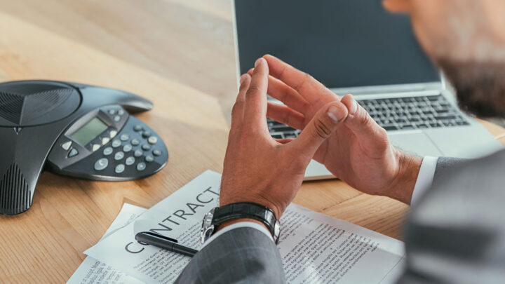 How to find long-lasting broker contracts